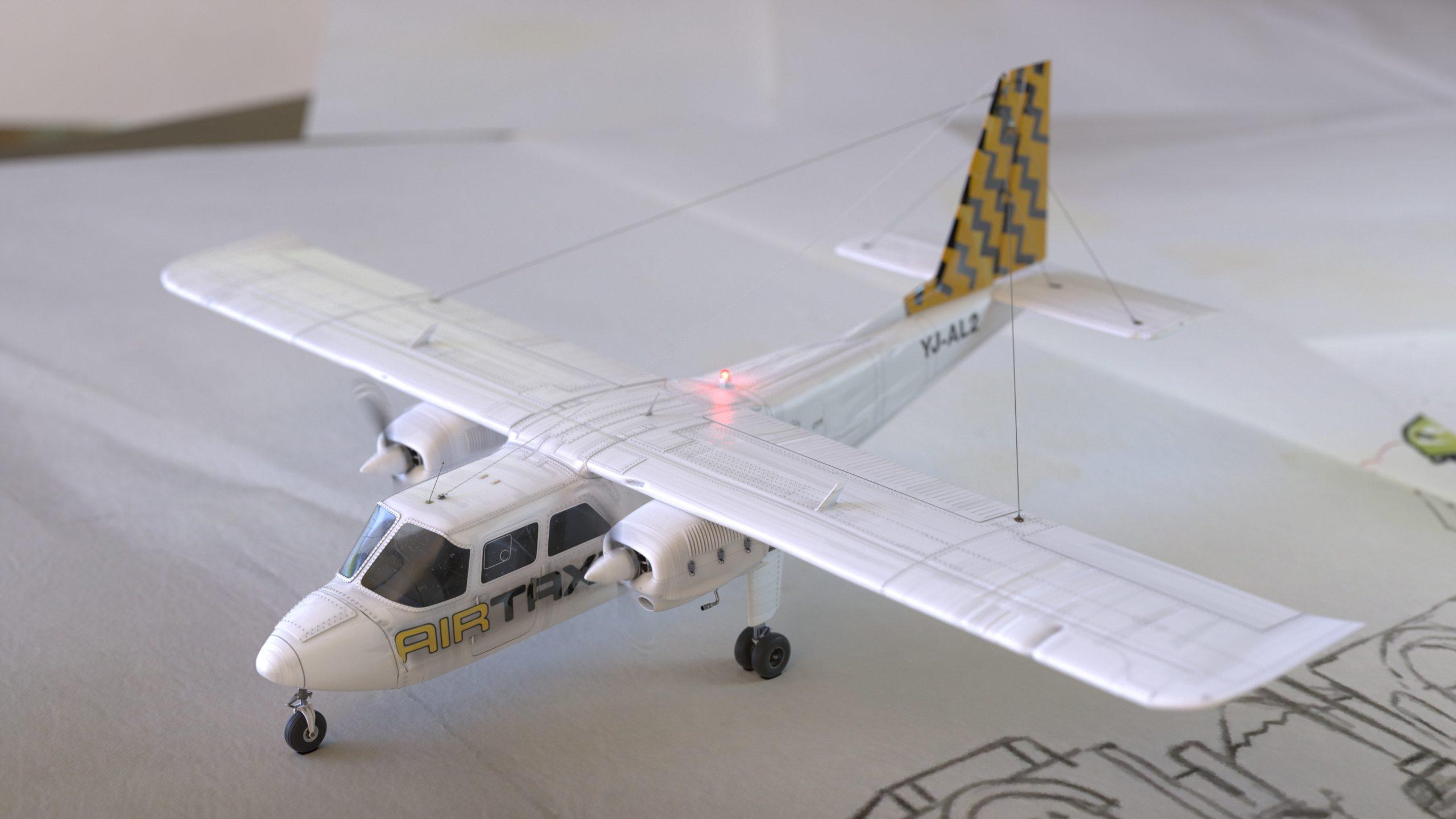 Flugzeug-047-TotaleOben0024